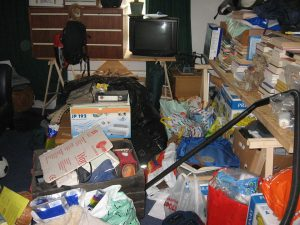 Clutter should always be avoided, no matter if you are moving or not.