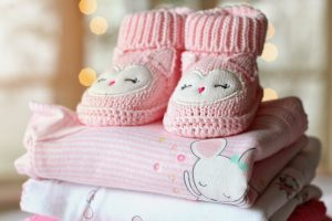 A change of clothes for children - which you can take when packing the baby's room for relocation.