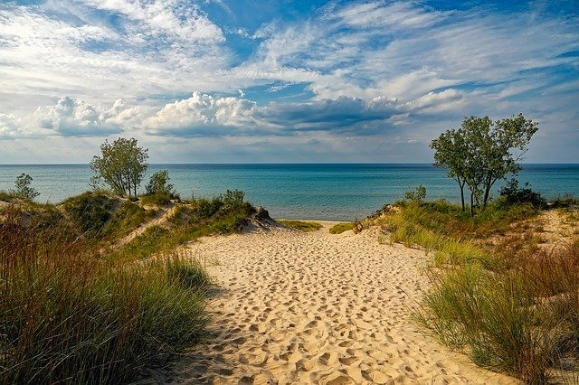 Interstate Movers Michigan bring you to beach, lake and trees.
