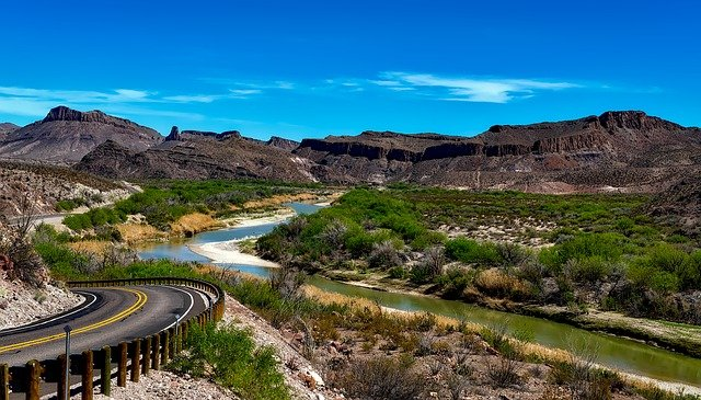 long distance movers Texas are taking you to Rio Grande river and beautiful nature of Texas
