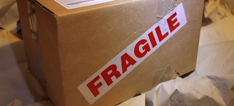 Fragile moving box