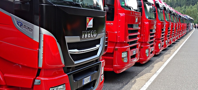 cross country movers Nebraska and their trucks