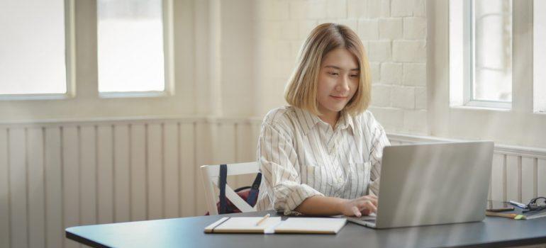 A woman using laptop