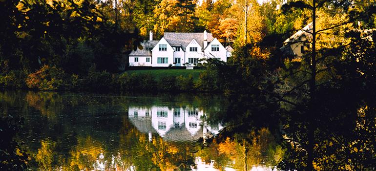 a house on greensboro lake